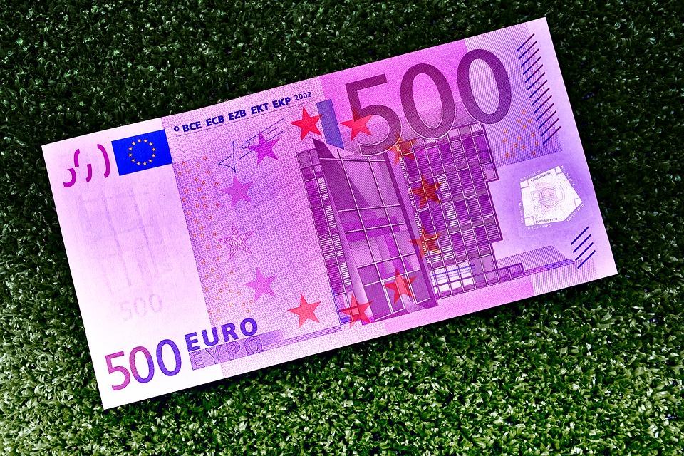 pětistovka eur